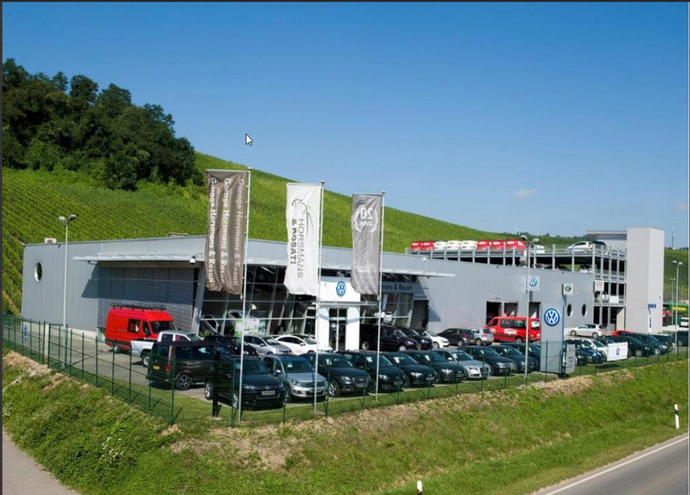 Evo-Park - Parking aérien métallique multi-niveaux de 112 places pour le stockage de véhicules.