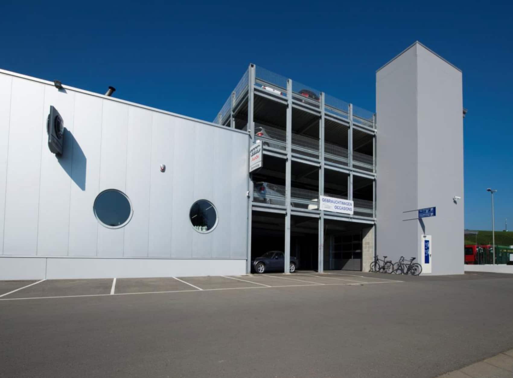 Evo-Park - Construction d'un parking multi-niveaux métallique pour le stockage des véhicules d'une concession automobile