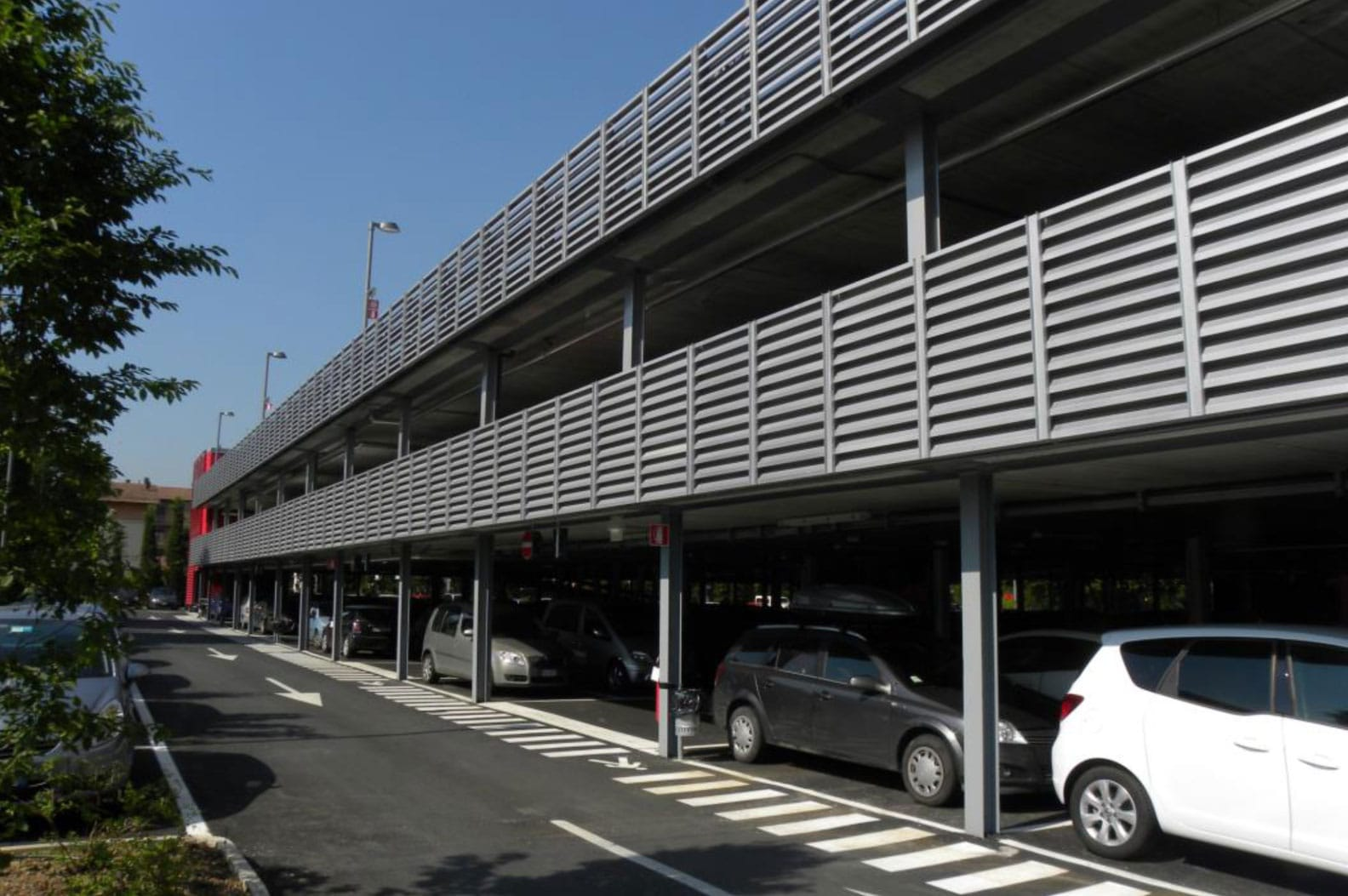 R f rences construction de parkings a riens m talliques for Garage ouvert lyon