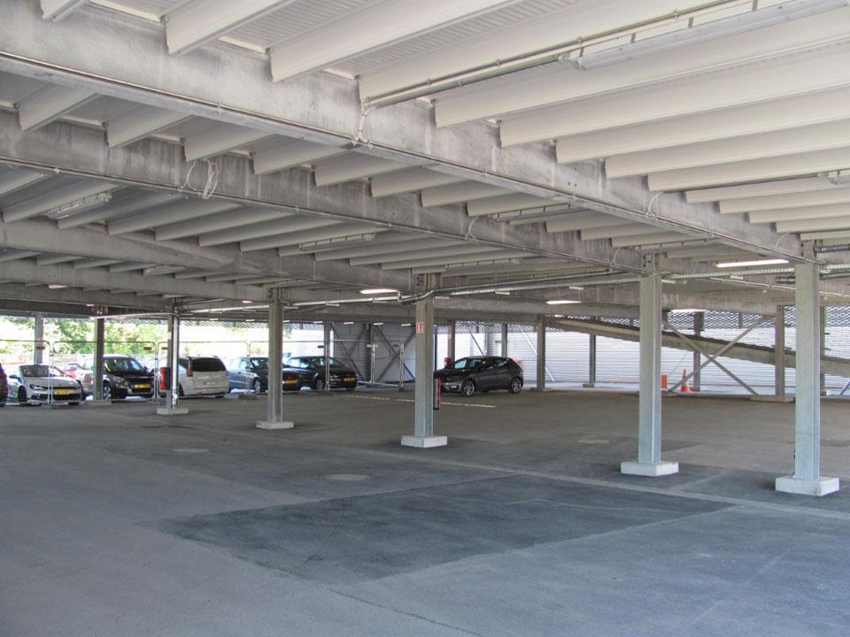 Evo-Park - Réalisation d'un parking aérien multi-niveaux en structure métallique pour un concessionnaire auto au Luxembourg
