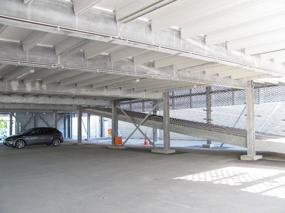 Evo-Park - Construction d'un parking aérien métallique à étages pour une concession automobile luxembourgeoise