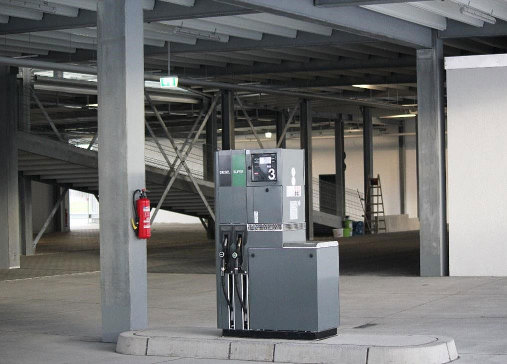 Evo-Park - Parking aérien métallique avec installation d'une station essence