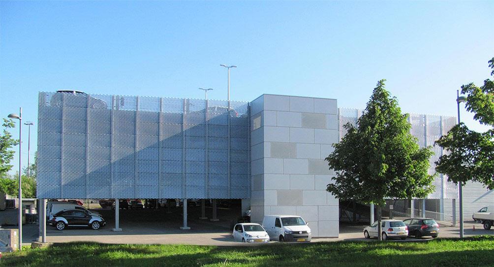 Evo-Park - Construction d'un parking aérien de 4 niveaux pour un garage automobile au Luxembourg
